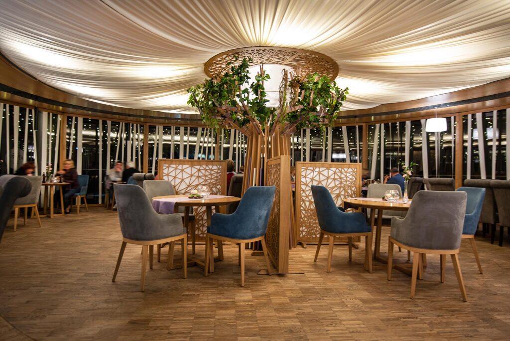 Wnętrze restauracji 2 PI ER