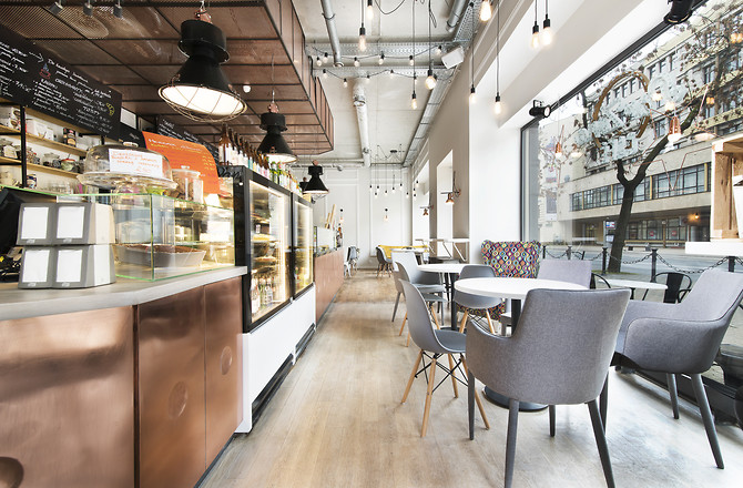 Wnętrze Resturacji ParZona Cafe