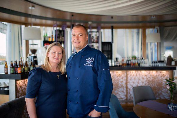 Właścicielka i szef kuchni w restauracji 2 PI ER