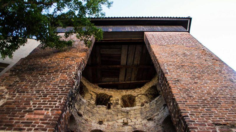 Baszta gotycka, fragment murów miejskich