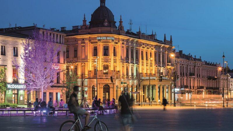 Widok z placu Litewskiego na secesyjny budynek Grand Hotelu Lublinianka