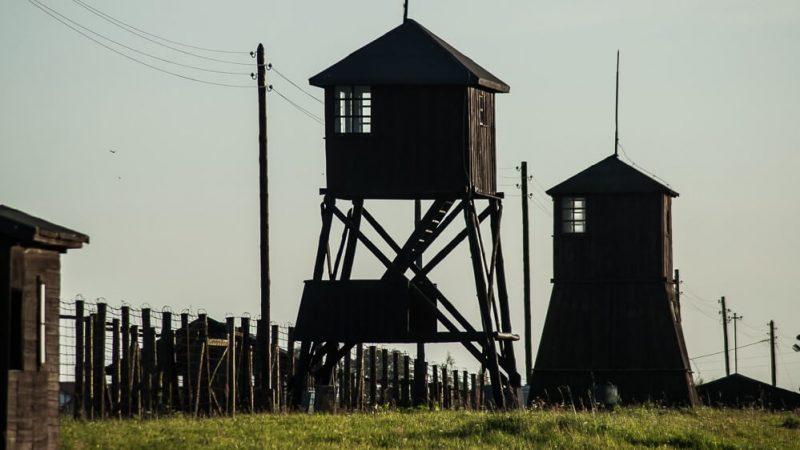 Państwowe Muzeum na Majdanku, widok na wieże strażnicze