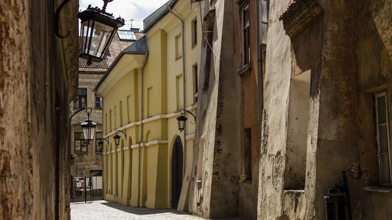 Widok na boczną fasadę Teatru Starego w Lublinie
